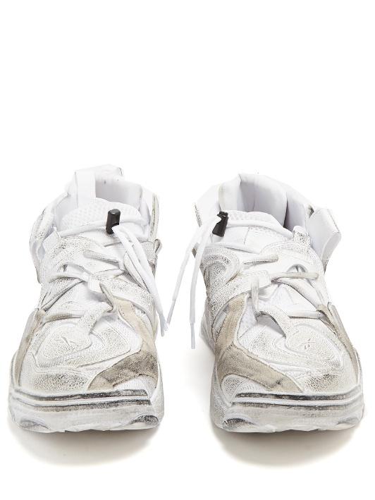 Sepatu Reebok kolaborasi Vetements