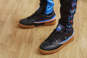 fila-pink-dolphin-sepatu-sneakers-terbaru-black