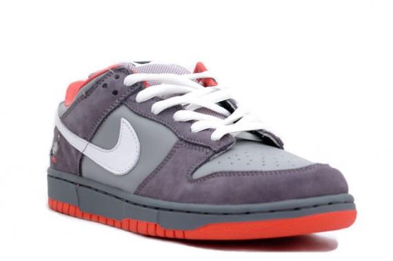 Sepatu Sneakers Nike SB Dunk Low Pigeon