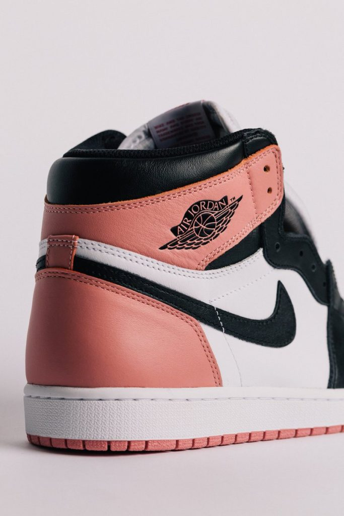 Sneaker Air Jordan 1 terbaru Rust Pink