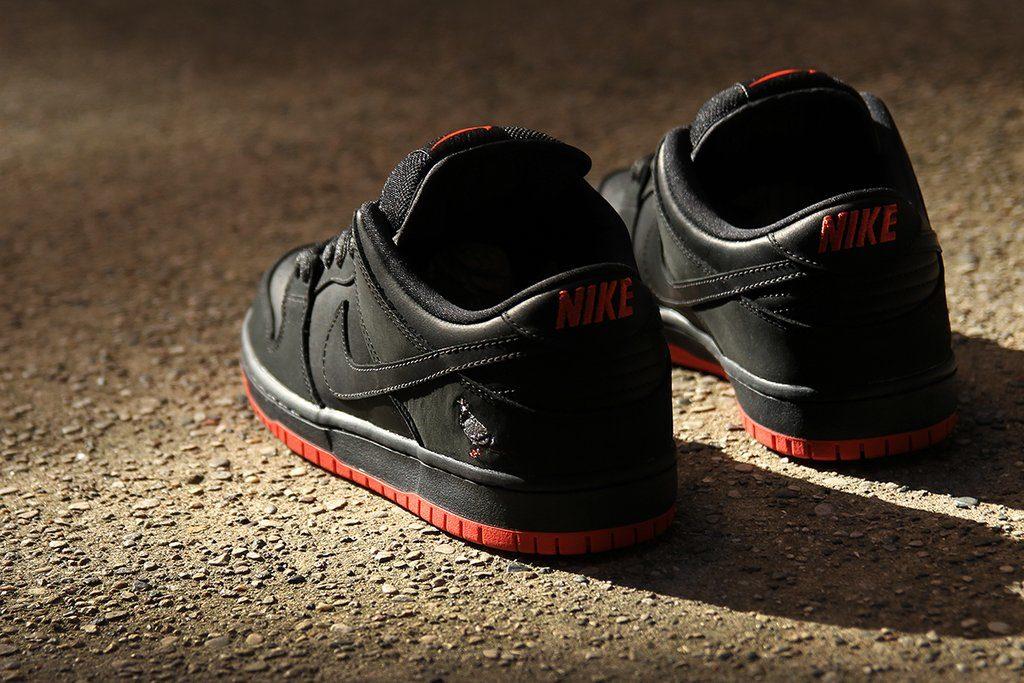 Sepatu Nike SB Dunk Low Pigeon