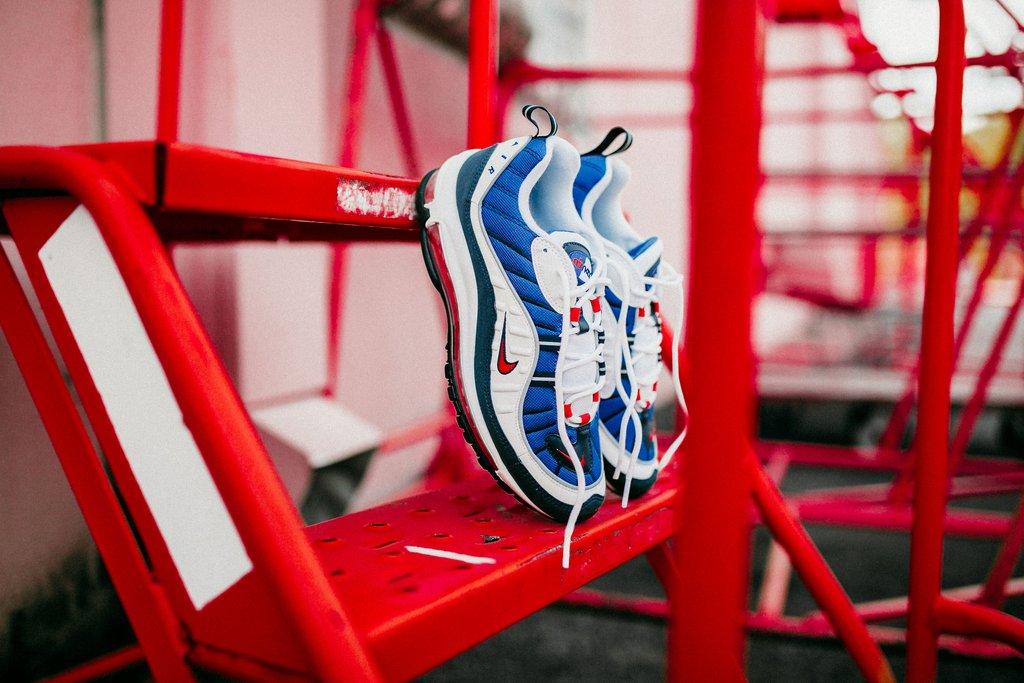 Sepatu Sneakers Nike Air Max 98 Gundam White University Red Obsidian