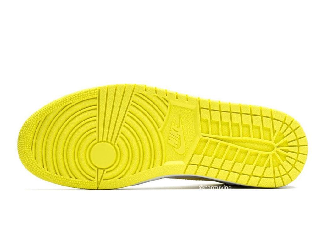 Sepatu AIr Jordan 1 First Class Flight Retro Hi Sneakers Terbaru